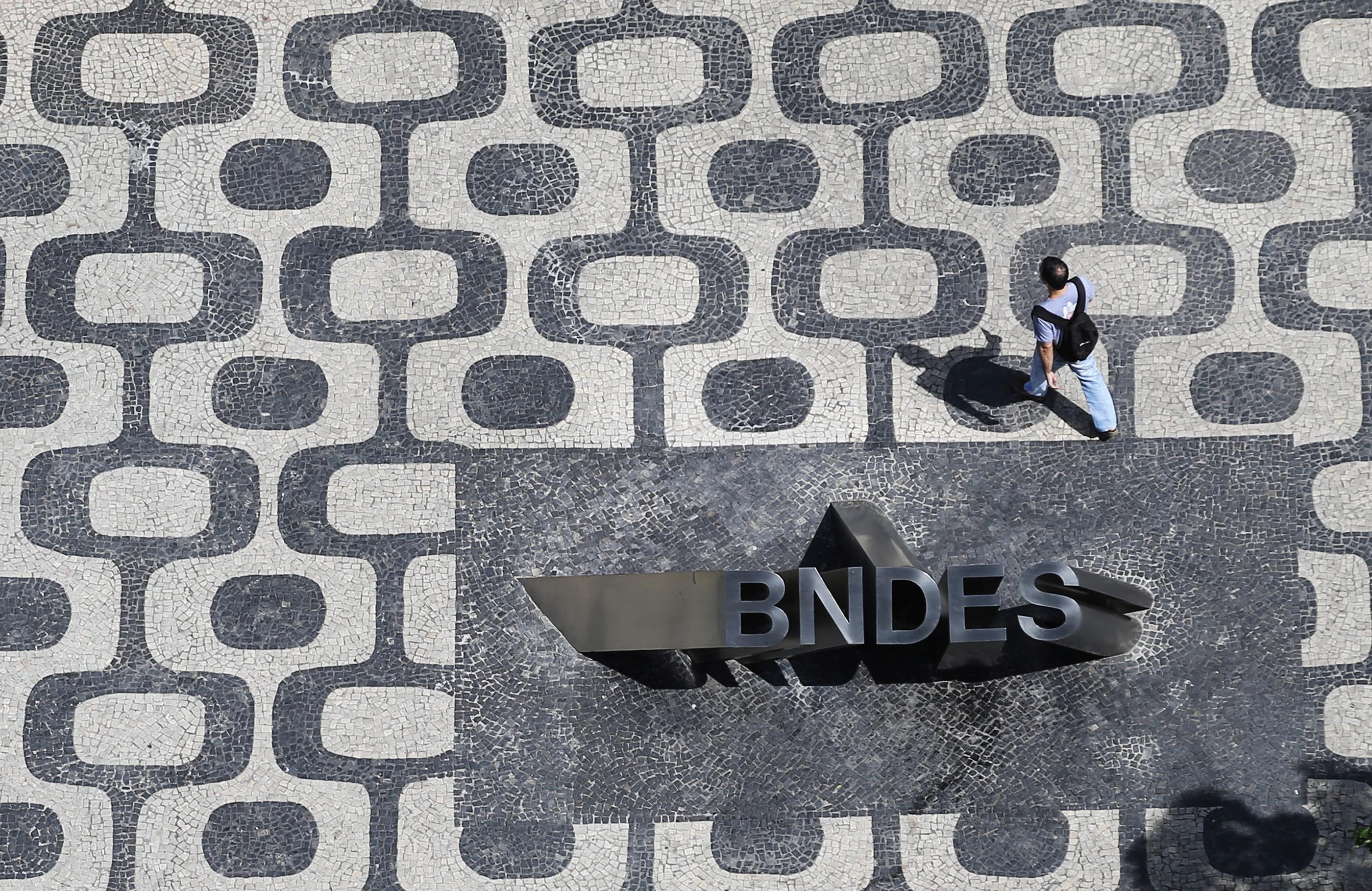 BNDESPar realiza oferta de 150 milhões de ações da Suzano