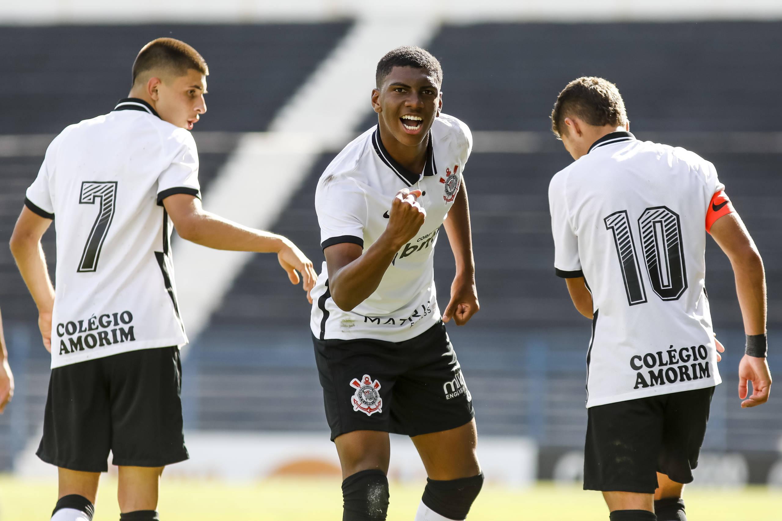 Corinthians vence Botafogo e assume a vice-liderança do Brasileiro Sub-17